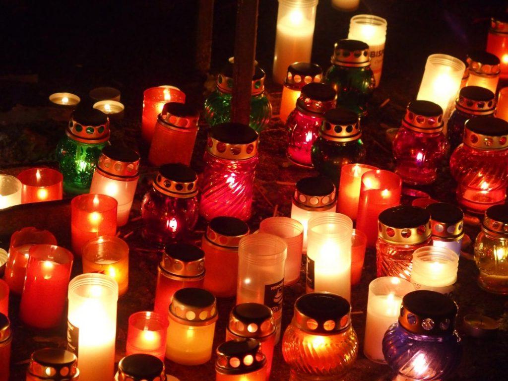035 Віддаймо вдячність нашим померлим молитвою ...